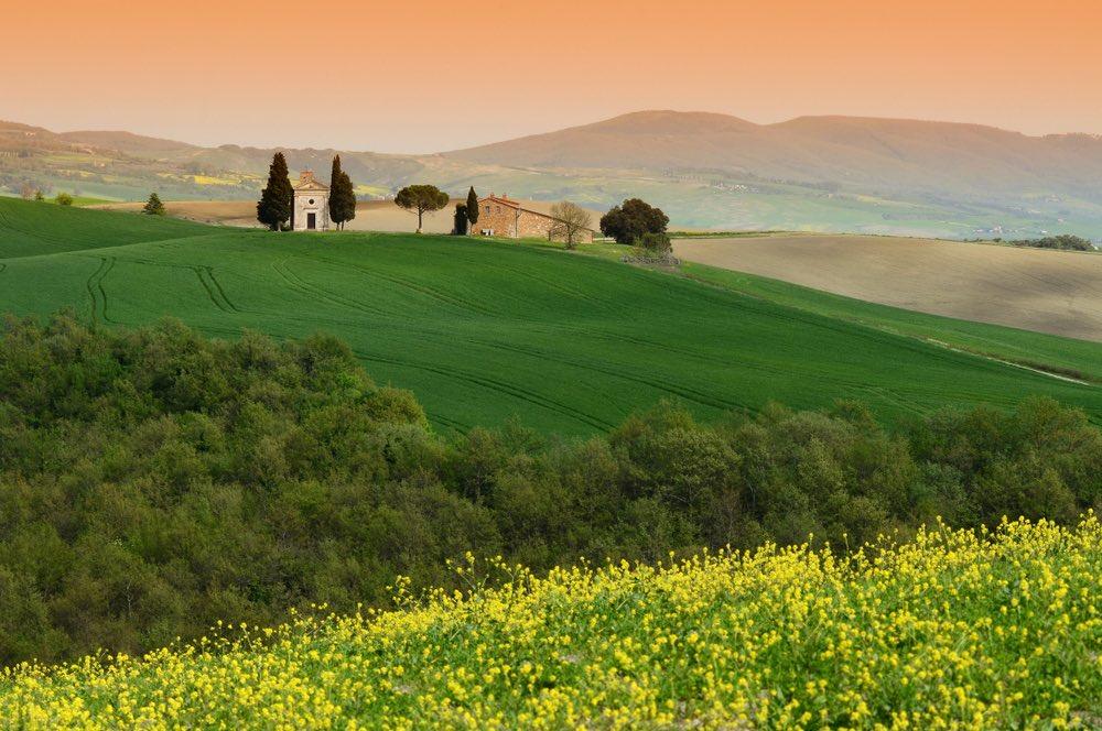 La Cappella della Madonna di Vitaleta si trova in Val d'Orcia, nel sud della Toscana
