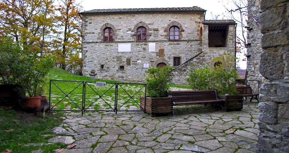 La casa natale di Michelangelo Buonarroti si trova a Caprese Michelangelo in Valtiberina toscana