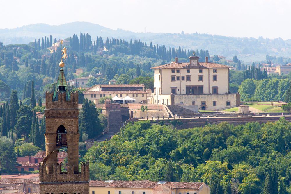 Vista del Forte Belvedere e della Torre di Palazzo Vecchio a Firenze