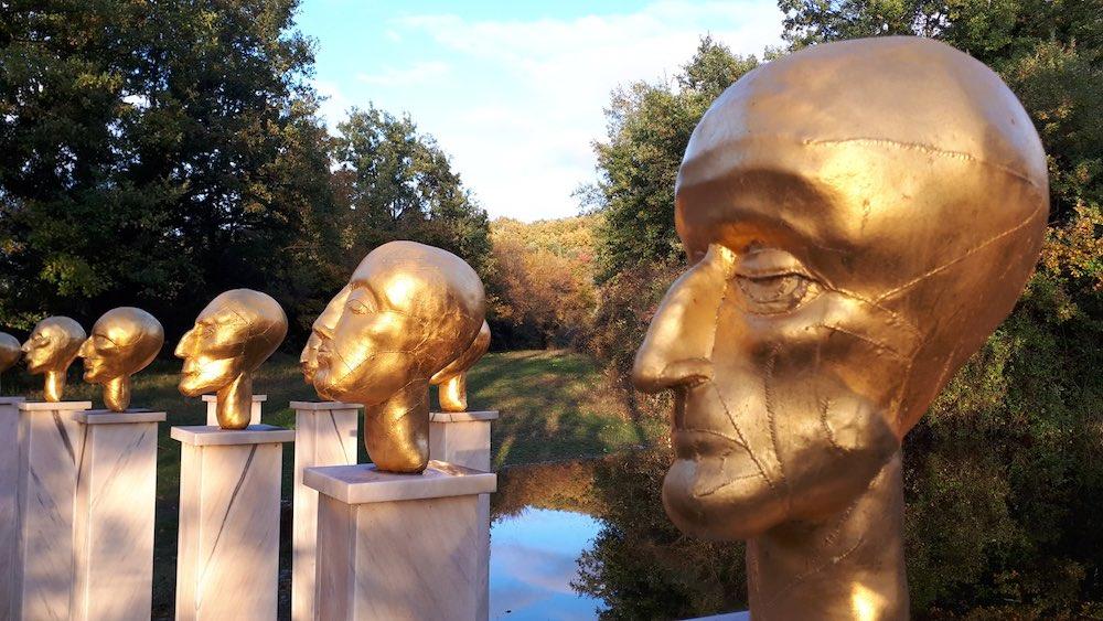 Il Giardino di Daniel Spoerri è un parco-museo vicino al borgo di Seggiano, in Toscana