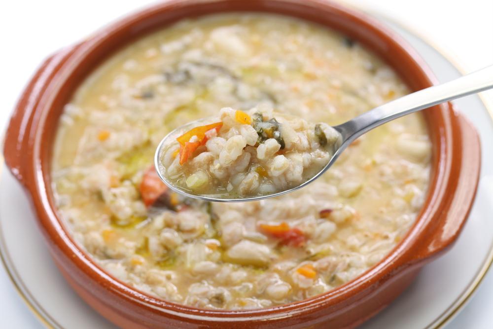 La zuppa di farro è un piatto tipico della Garfagnana in Toscana