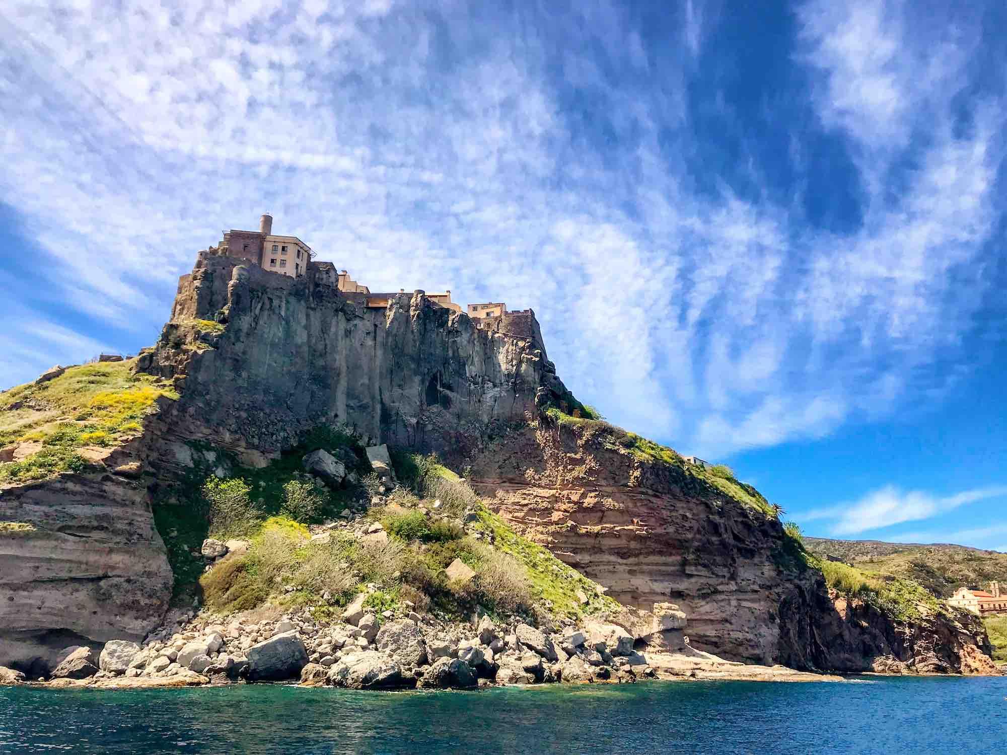 Castello sull'isola di Capraia nell'Arcipelago toscano