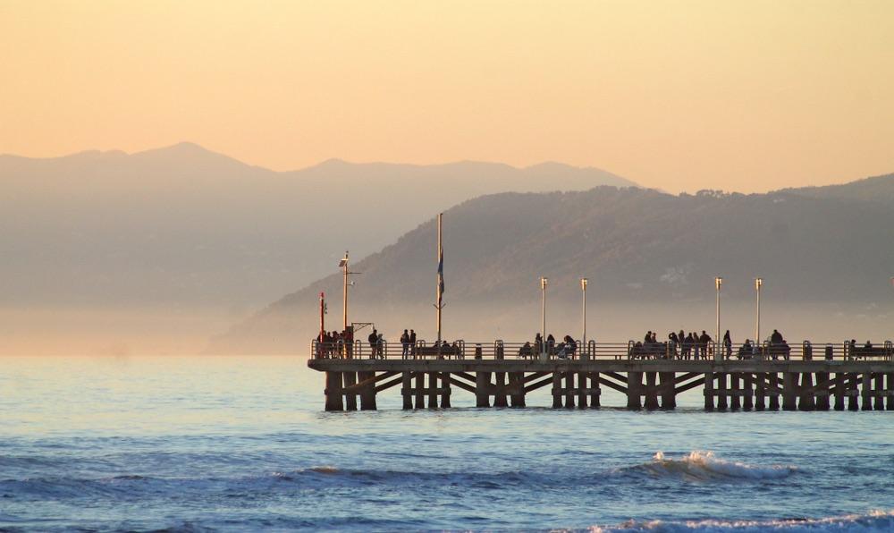 Pontile di Forte dei Marmi al tramonto