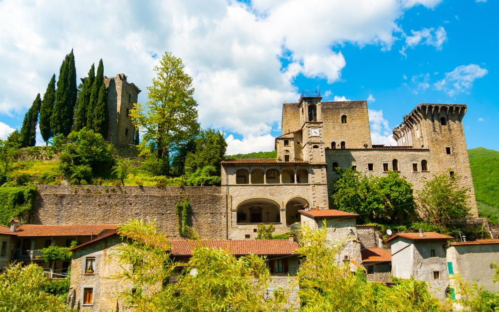 Il Castello della Verrucola si trova a Fivizzano sulle Alpi Apuane