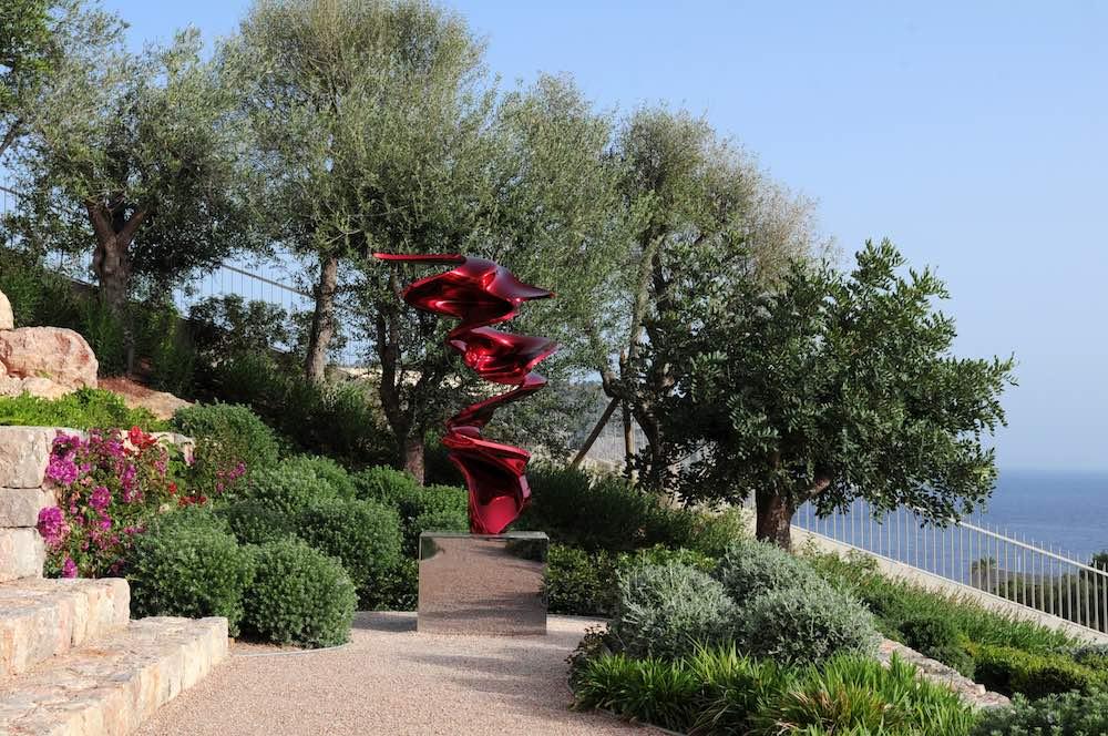 Statua rossa di Sylvestre Grauvut