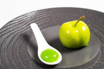 La finta mela dello chef Lorenzo dell'Insolita Trattoria Tre Soldi di Firenze