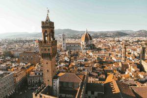 Vista dall'alto di Firenze: Palazzo della Signoria, Duomo e colline di Fiesole
