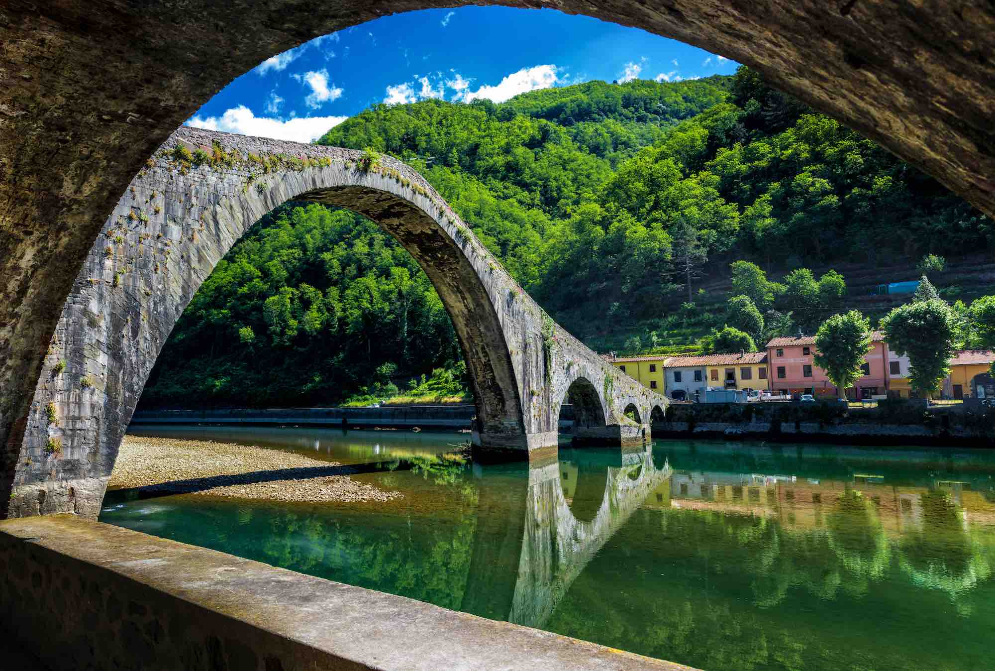 Ponte del Diavolo a Borgo a Mozzano in Garfagnana, zona della Toscana