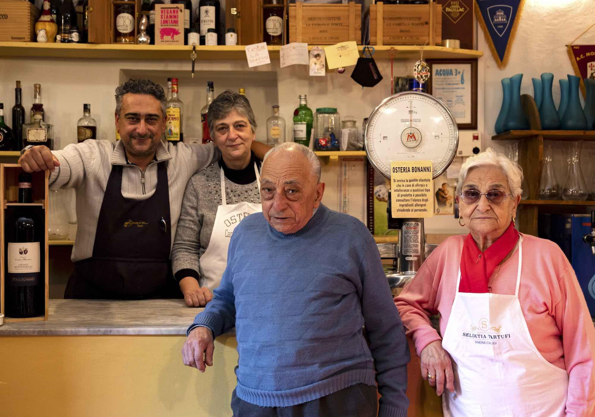 La famiglia Bonanni, titolare dell'Osteria di Capounto a Montelupo Fiorentino