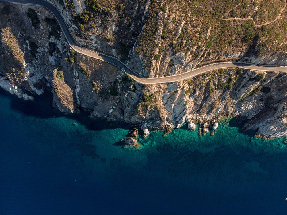 Strada costiera all'Isola d'Elba sulla Costa del Sole