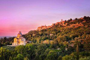 La Cattedrale di San Biagio e il borgo di Montepulciano al tramonto