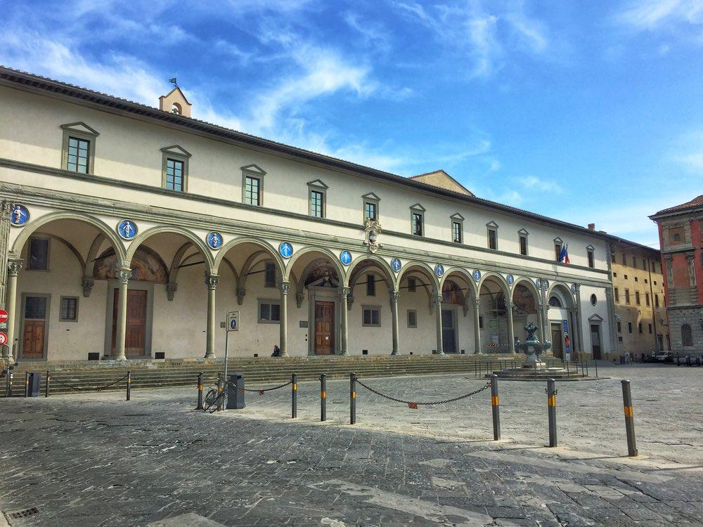 Odpedale degli Innocenti in Piazza SS Annunziata a Firenze