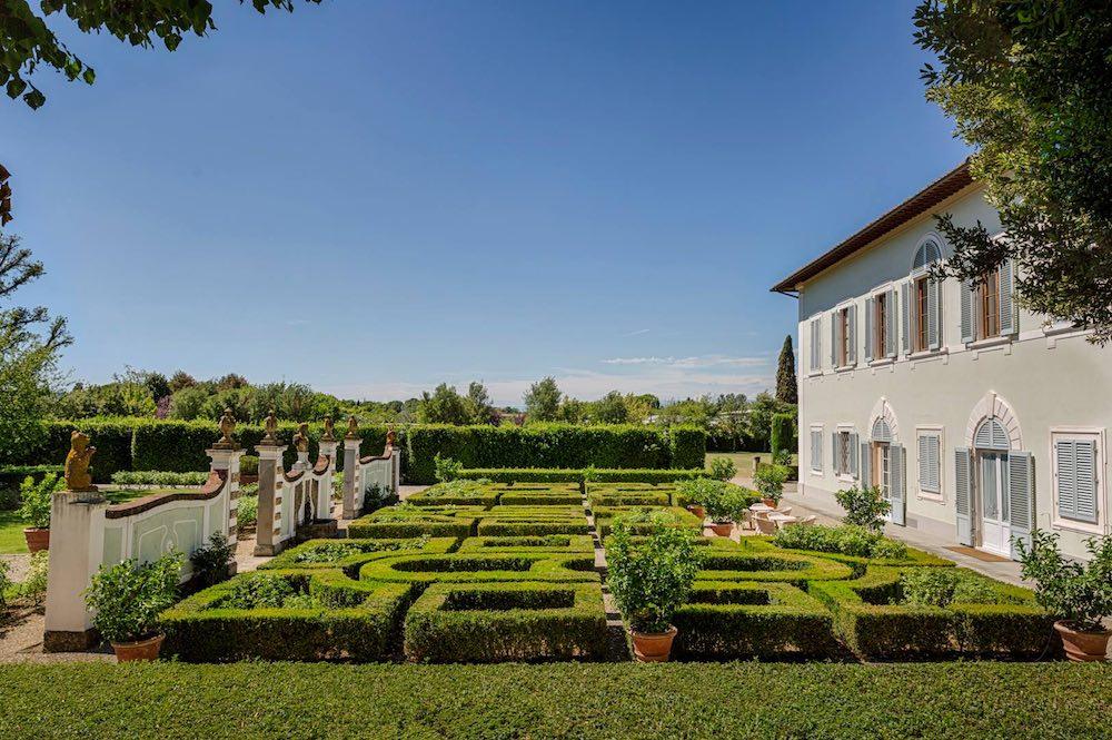 Villa Olmi è uno dei migliori charme resort in toscana