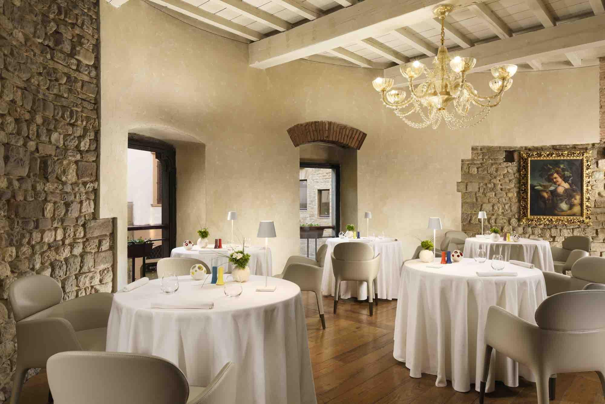 I 6 migliori ristoranti di design a Firenze, dove arredi, architettura e senso estetico incontrano la migliore cucina toscana reinterpretata in chiave moderna: ristorante Santa Elisabetta