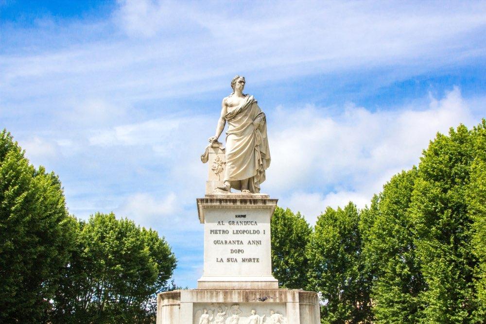 Statua del Granduca Pietro Leopoldo a Pisa