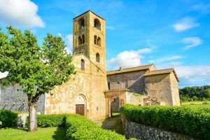 La chiesa di San Giovanni a Ponte allo Spino nel comune di Sovicille