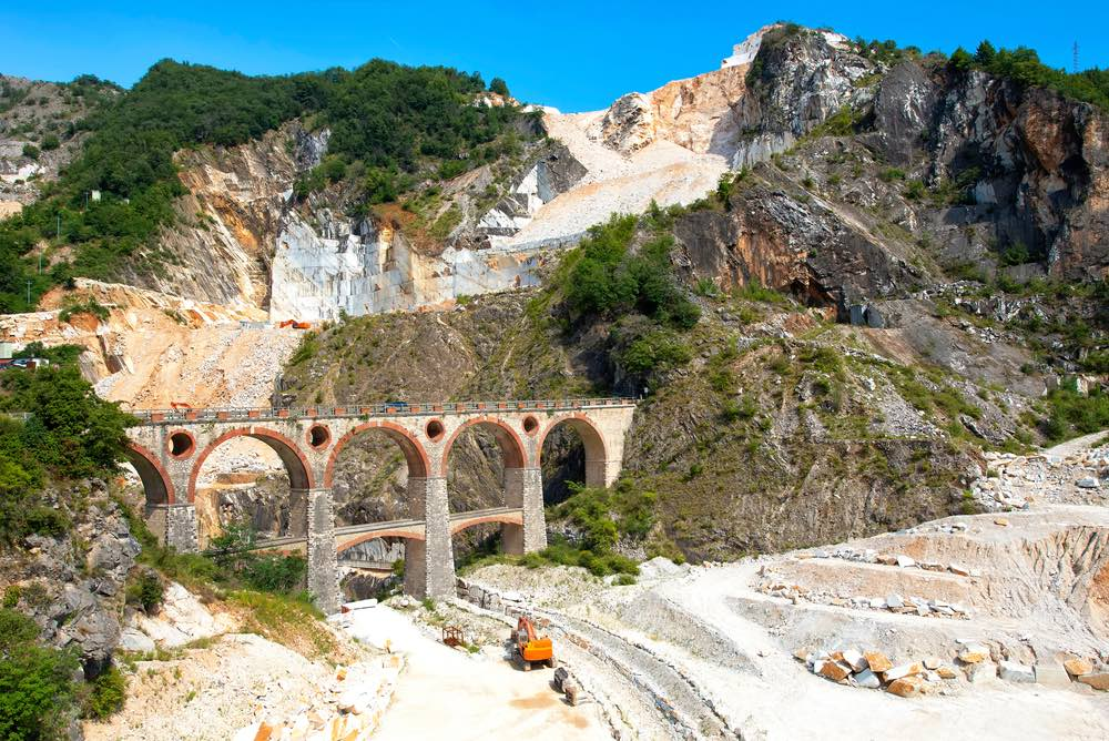 Ponti di Vara a Fantiscritti sulle Alpi Apuane