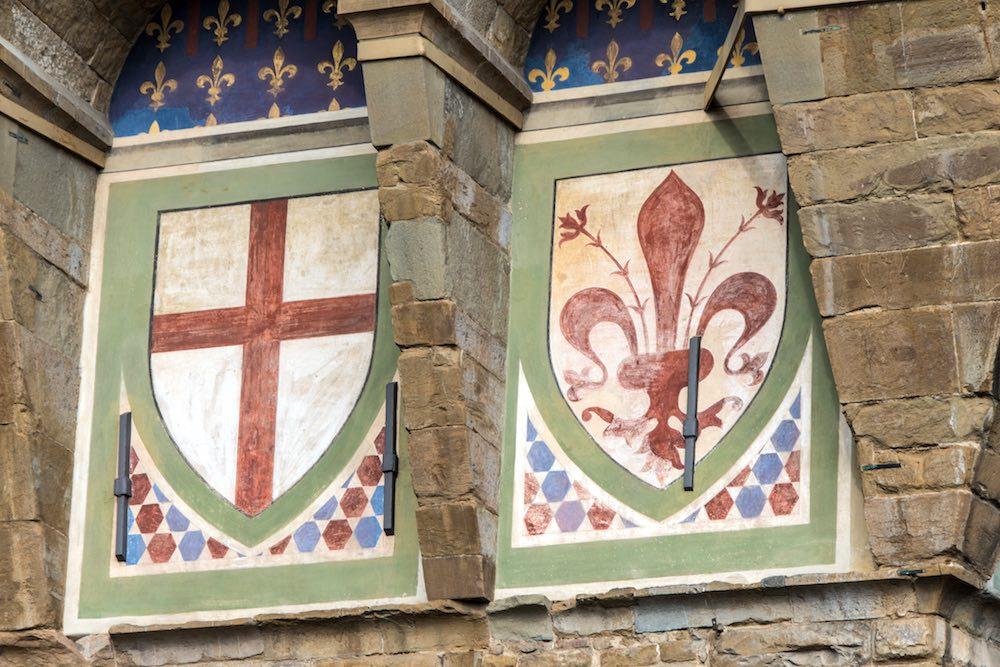 Stemmi della Repubblica fiorentina sulla facciata di Palazzo Vecchio