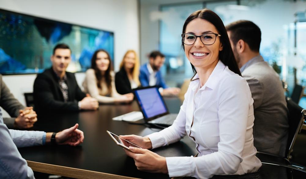 Team di lavoro in azienda a una riunione