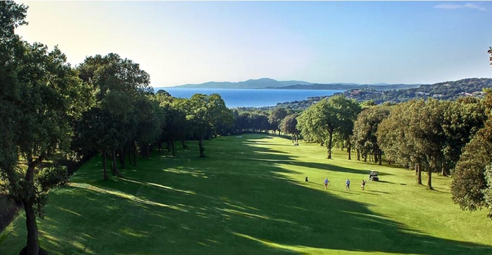 Vista del campo da golf del Gallia Palace a Punta Ala in Toscana