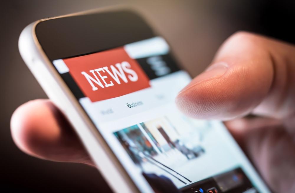 Schermata con sezione news su un telefono cellulare