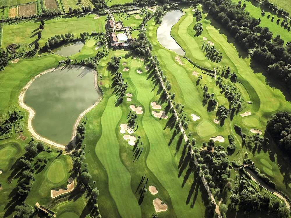 Le Pavoniere Golf Club a Prato è uno dei campi da golf della Toscana con più di 9 buche