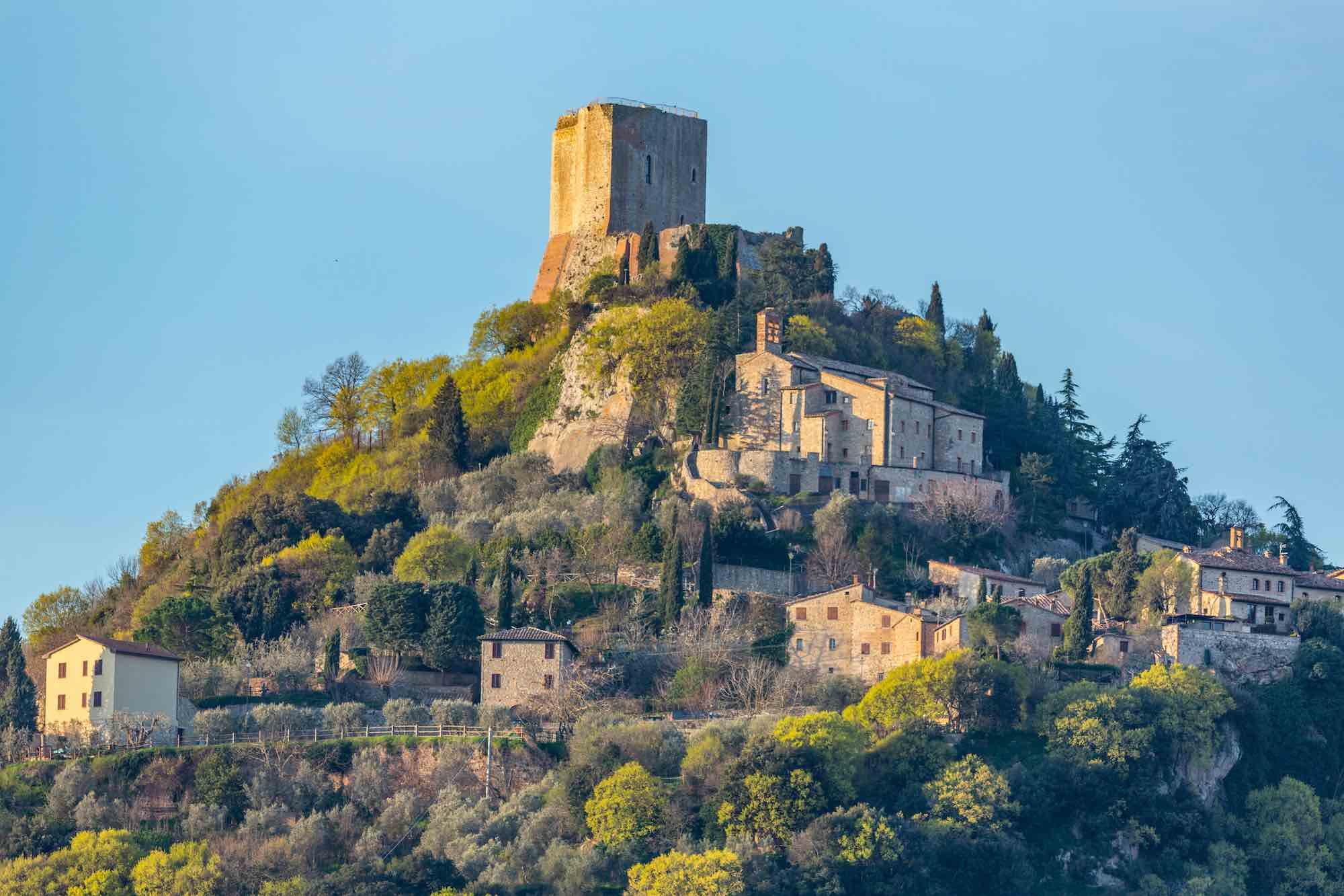 La Rocca di Tintinnano nel piccolo borgo di Rocca d'Orcia in Toscana