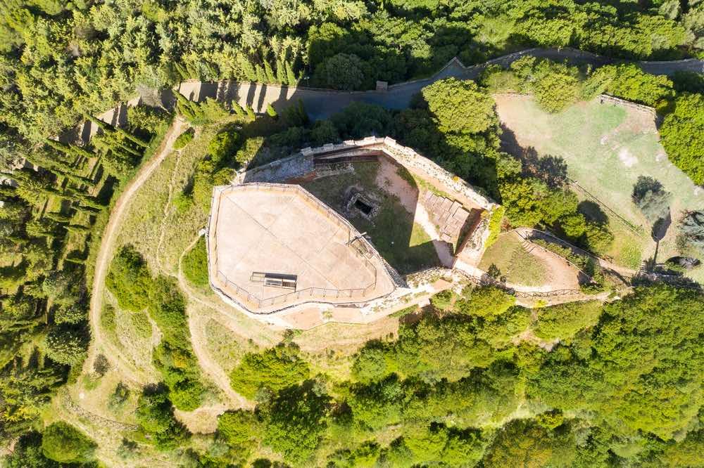 Vista aerea della Rocca di Tintinnano a Rocca d'Orcia