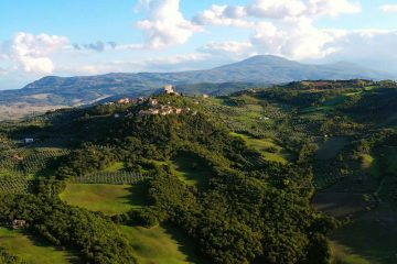 La Rocca a Tentennano nel piccolo borgo di Rocca d'Orcia in Toscana