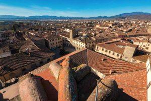 Vista aerea dai tetti del borgo toscano di Sansepolcro in Valtiberina
