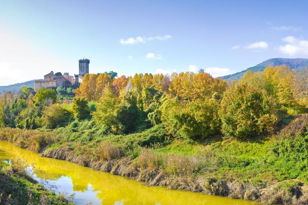 Il borgo di Vicopisano e la campagna del Monte pisano