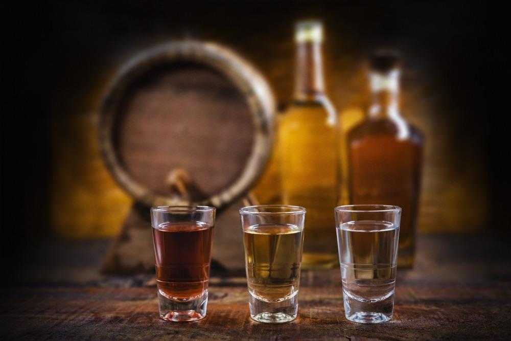 Bicchierini di distillati della Toscana: grappa, vodka e brandy