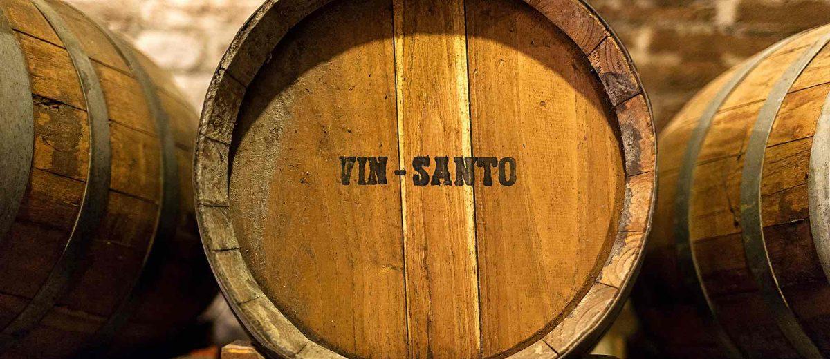 Un caratello di Vin Santo, il vino da dessert toscano per eccellenza