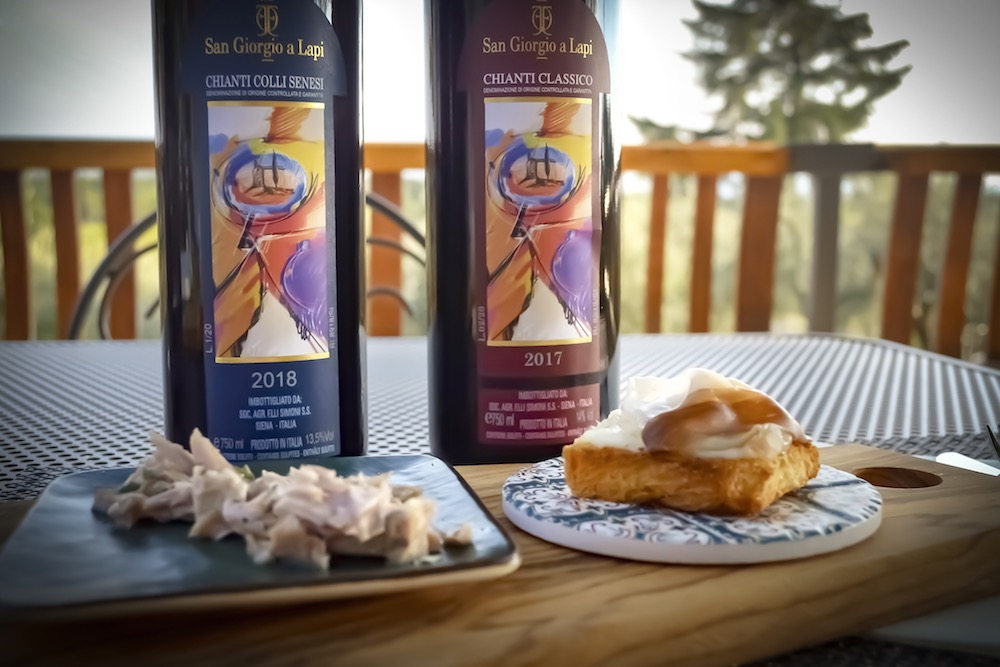 Le bottiglie di Chianti Classico e Chianti Colli Senesi dell'azienda toscana San Giorgio a Lapi