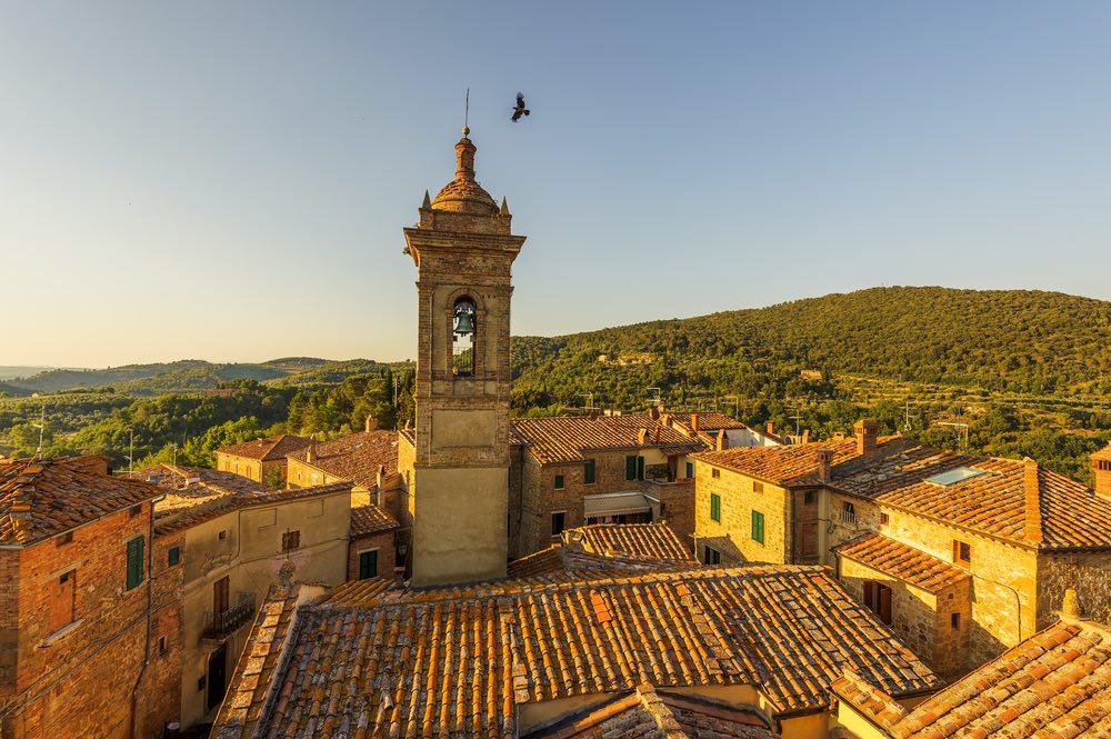 Castelmuzio è un affascinante borgo medievale vicino a Sinalunga