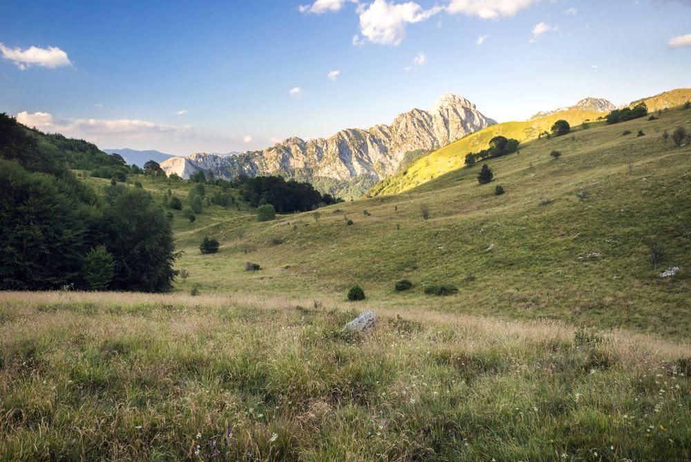 Vista sul Pizzo d'Uccello nel Parco delle Alpi Apuane