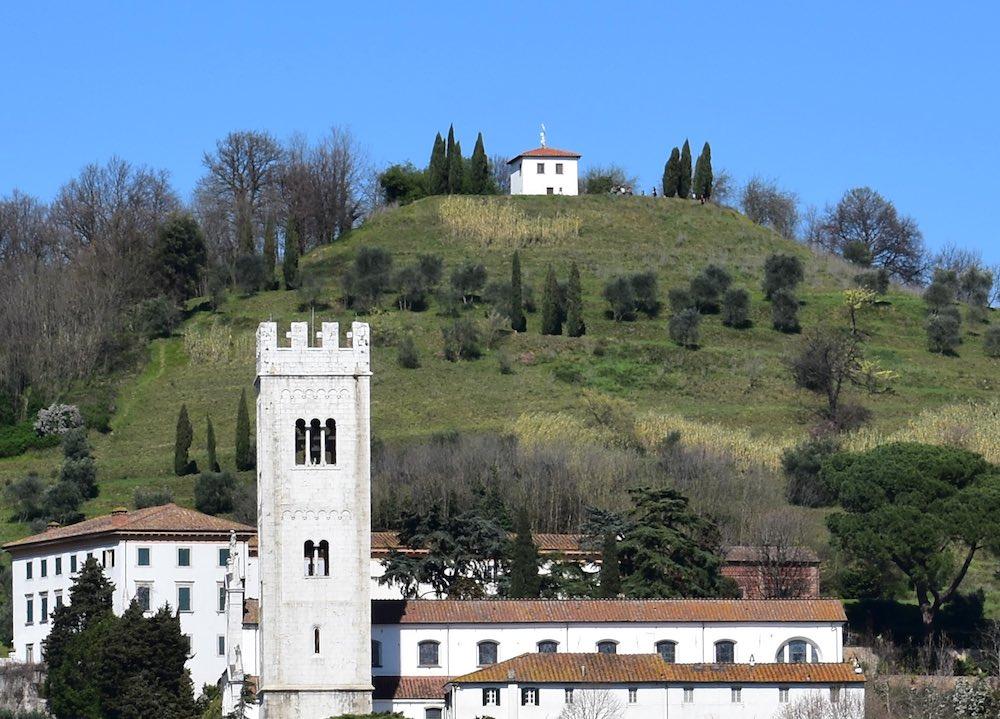 La Torretta di Porcari è un punto panoramico del borgo toscano