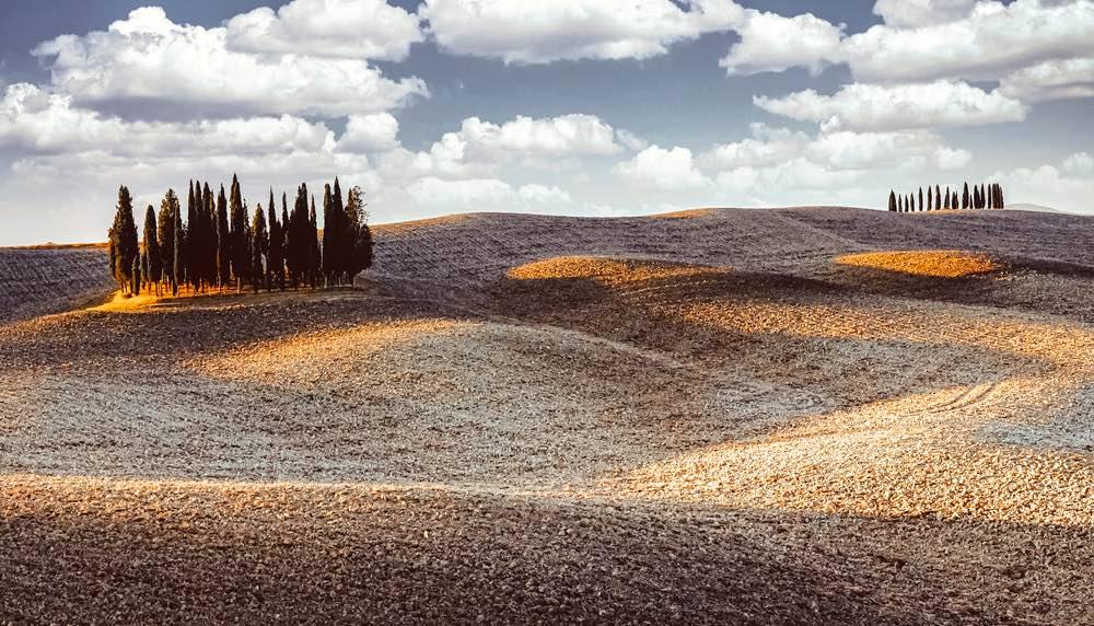 Tratto della Via Francigena in Toscana attraverso le Crete Senesi