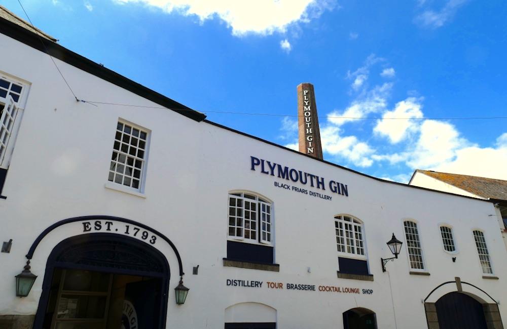 Facciata della distilleria del Plymouth Gin in Inghilterra