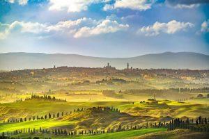 La città di Siena vista dalle colline