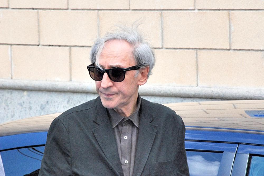 Franco Battiato in strada al Giffoni Film Festival nel 2012