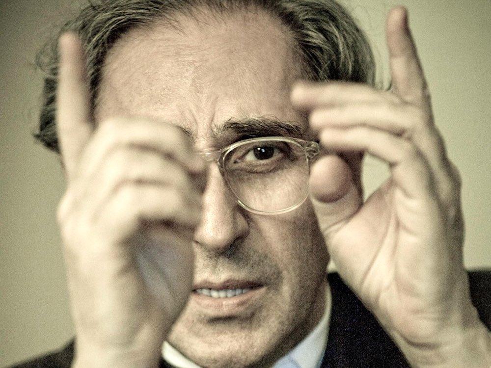Franco Battiato foto celebre dell'artista italiano