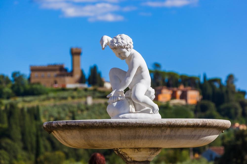 Statua di una fontana nel Giardino di Boboli a Firenze
