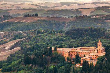 Abbazia di Monte Oliveto maggiore in Val d'Arbia, nelle Crete Senesi vicino ad Asciano