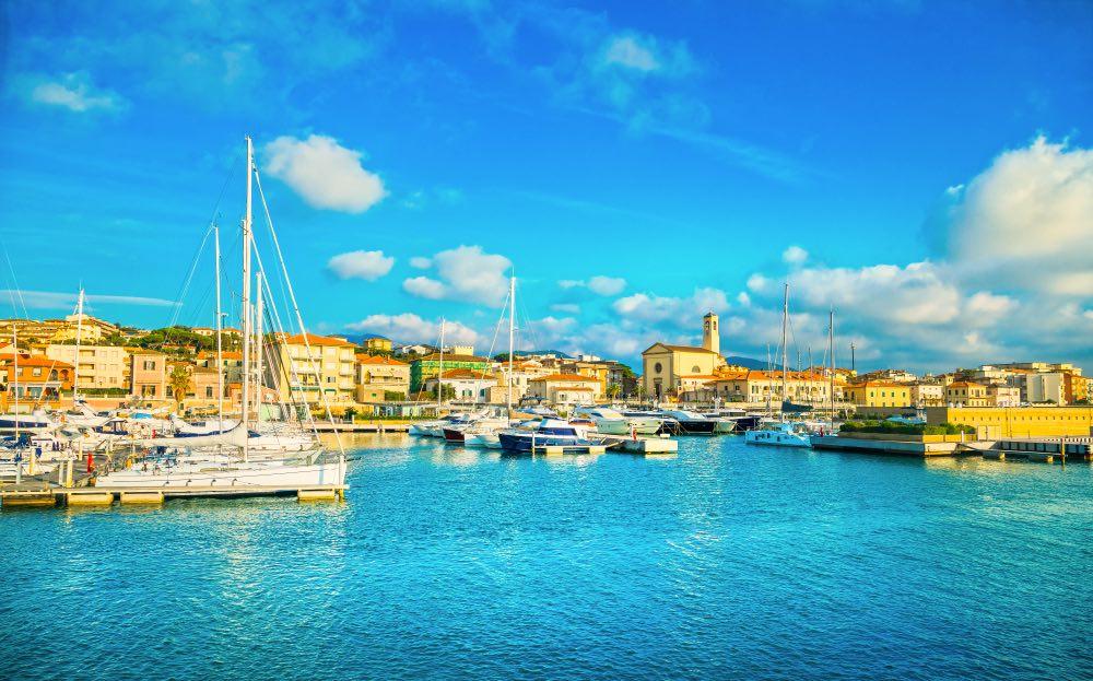 Porto turistico di San Vincenzo sulla costa degli Etruschi in Toscana