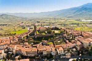 Vista sulla Val di Chio, la valle nel comune di Castiglion Fiorentino in Valdichiana, Toscana