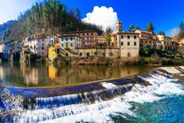 Borgo toscano di Bagni di Lucca in Garfagnana, famoso per le sue terme