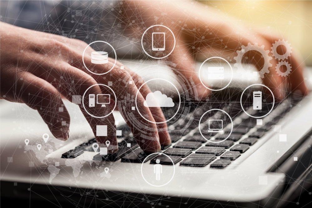 Concetto di data driven marketing, icone su computer