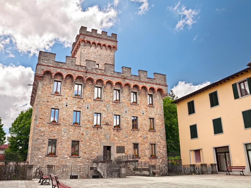 Il Palazzo dei Pretori a Firenzuola, bellissimo borgo vicino a Firenze, nel territorio del Mugello