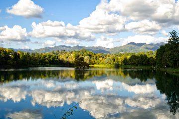 Il Lago di Montelleri, vicino a Vicchio, si trova nel verde territorio toscano del Mugello vicino a Firenze